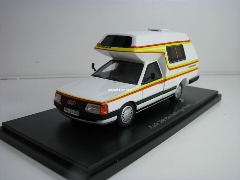 Audi 100 Type 44 Bischofberger Familly 1985 1:43 Autocult 09003